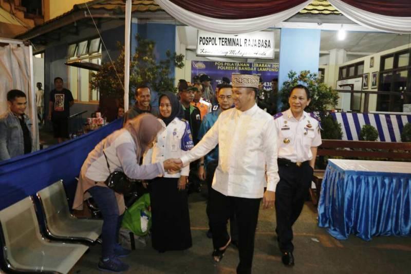 Gubernur Lampung M. Ridho Ficardo di Terminal Rajabasa, Bandar Lampung.