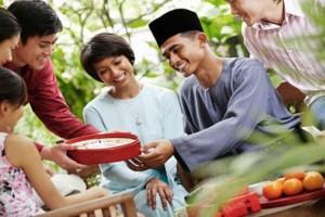 Ilustrasi makan lebaran. Foto : CirebonTrust