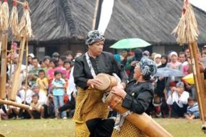 Suku Sunda. Foto : http://amoredeamigos.blogspot.co.id/