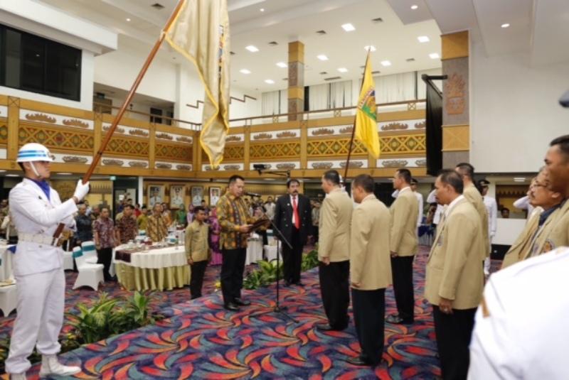 Gubernur Lampung Muhammad Ridho Ficardo mengukuhkan Ikatan Alumni Pendidikan Tinggi Kepamongprajaan (IKAPTK) Lampung periode 2017-2020 di Gedung Balai Keratun Lampung, Jumat 28 Juli 2017