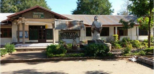 Sekolah Dasar Katolik (SDK) St. Yusuf Waipukang yang menjadi pusat kegiatan satu abad sekolah tersebut (Foto:Team YPF-Floreseditorial.com)