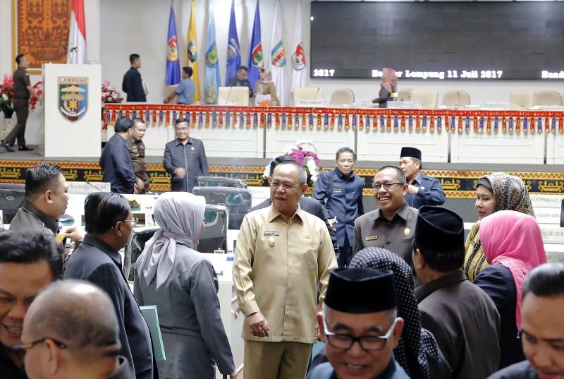 Wakil Gubernur Lampung Bachtiar Basri usai menghadiri Rapat Paripurna pembahasan Raperda, Selasa 11 Juli 2017.