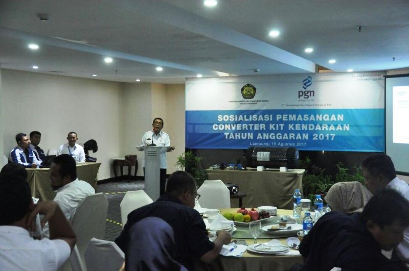 Asisten Bidang Ekonomi dan Pembangunan Adeham pada acara sosialisasi konkit untuk kendaraan dinas milik Pemerintah Provinsi Lampung tersebut berlangsung di Swiss Bell Hotel Bandar Lampung, Rabu 16 Agustus 2017.