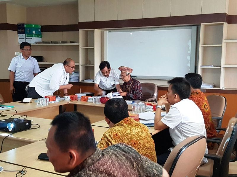 Direktur Jembatan Kemen PUPR  Iwan Zarkasih ketika memimpin rapat FO MBK di Lantai 6 Diten Bina Marga, Jakarta Selatan, Senin 7 Agustus 2017