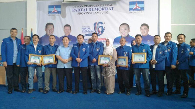 Puncak perayaan ulang tahun ke-16 Partai Demokrat di Kantor DPD Partai Demokrat, Jalan Pangeran Emir M. Noor, Bandar Lampung, Jumat 15 September 2017