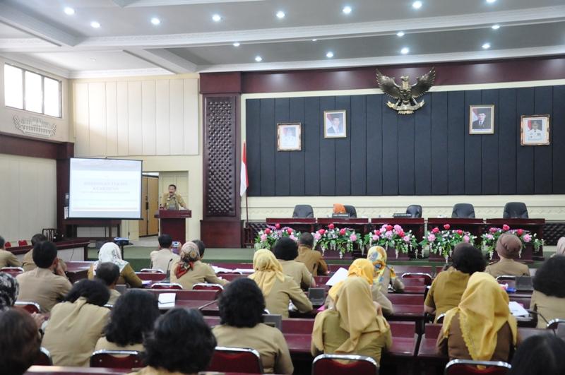 Bimbingan teknis kearsipan bagi pengelola arsip Organisasi Perangkat Daerah (OPD) lingkungan Pemerintah Provinsi Lampung, di Gedung Pusiban Kantor Gubernur Lampung, Senin 4 September 2017.