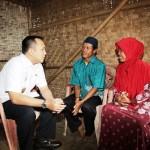 Berumah Reot 12 Tahun, Gubernur Ridho Hibahkan Rumah Tipe 36 ke Buruh ini