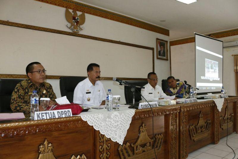 Asisten Bidang Pemerintahan dan Kesra Provinsi Lampung, Heri Suliyanto, pada rapat persiapan pemulangan jemaah haji di Aula Pepadun Kanwil Kementerian Agama (Kemenag) Provinsi Lampung, Rabu 6 September 2017.