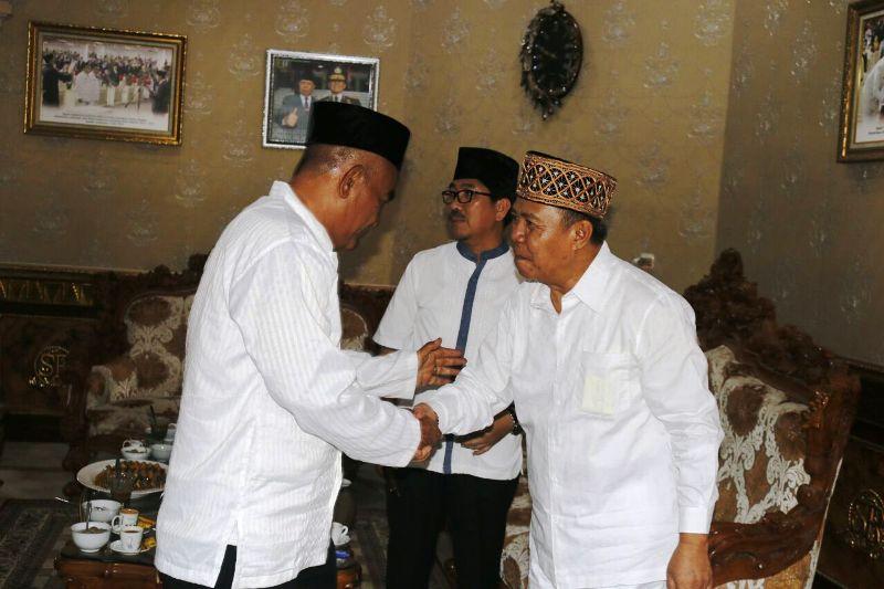 Wagub Lampung Bachtiar Basri menggelar open house Hari Raya Idul Adha 1438 Hijriah di rumah dinasnya, Jumat 1 September 2017