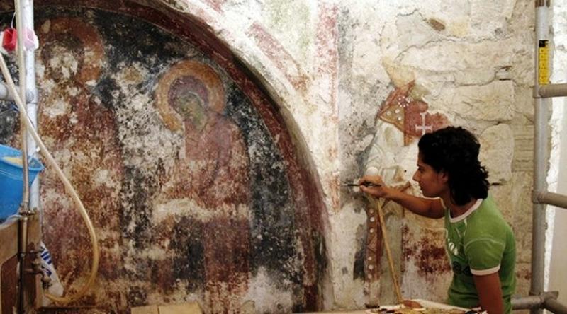 Upaya pelestarian gereja St. Nicholas di Demre, Antalya, di selatan Turki. (Sumber Anadolu Agency)