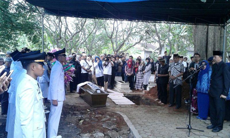 Pemakaman Dhea Rahma Amanda, di Labuhan Ratu, Bandar Lampung, Senin 2 Oktober 2017
