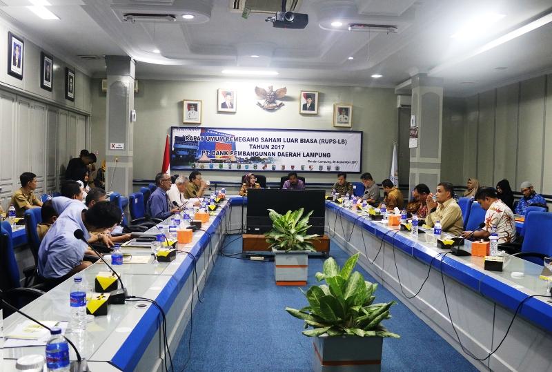 Kunjungan observasi Komisi C DPRD Provinsi Riau, di Bank Lampung, Selasa 10 Oktober 2017.