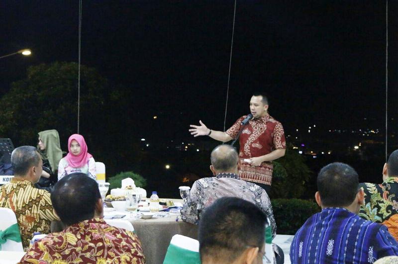 Gubernur Ridho pada ramah tamah bersama Pasis Dikreg ke- XLIV (44) Sekolah Staf dan Komando TNI, di Mahan Agung Rumah Dinas Gubernur Lampung, Minggu 29 Oktober 2017 malam.