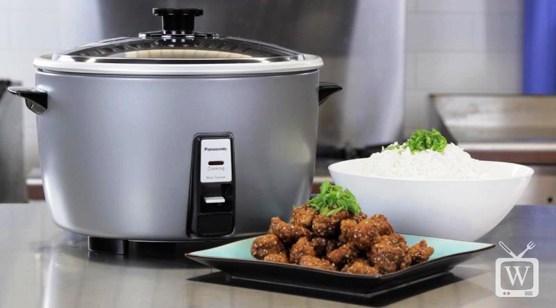 Gak punya microwave tapi ingin ngemil? Pakai rice cooker. Serius, ternyata benda ini bisa bikin kudapan seenak di tautan media sosial. Sumber foto : Liputan6.com