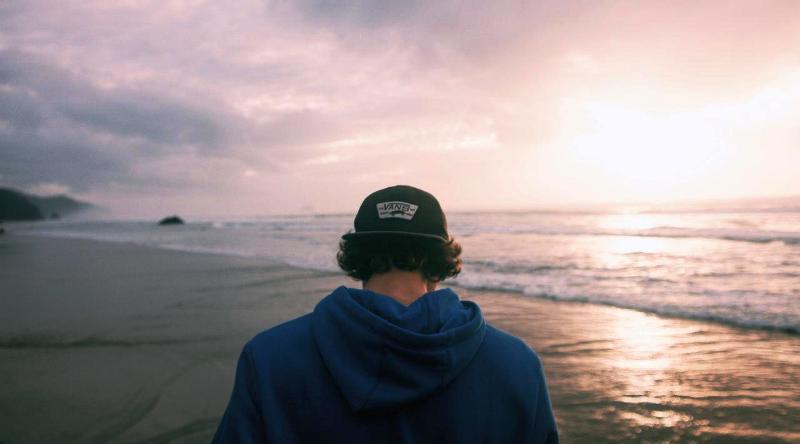 Penasaran seharusnya tipe pria ideal seperti apa yang pantas Anda tunggu? Simak di sini. Sumber foto: thoughtcatalog.com.