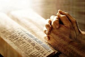 Ilustrasi doa. Credits : www.jesuschristformuslims.com
