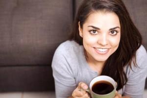 Menenggak secangkir kopi seminggu sekali sudah bisa memberi manfaat pada kesehatan.