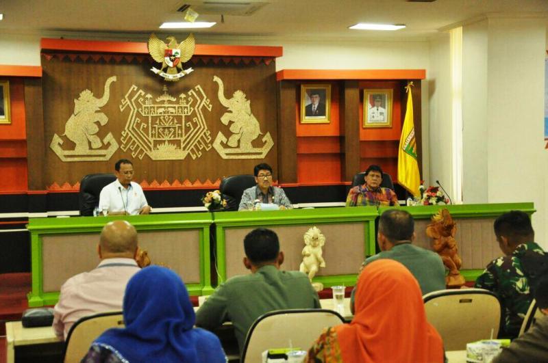 Rapat pemantapan Porprov Lampung VIII Tahun 2017, di Balai Keratun Kantor Gubernur Lampung, Kamis 9 November 2017.