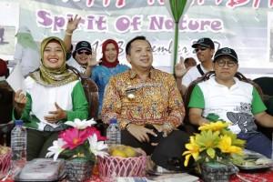 Gubernur Lampung M.Ridho Ficardo,  Bupati Lampung Timur Chusnunia Chalim dan Ketua Umum Partai Kebangkitan Bangsa ( PKB) Muhaimin Iskandar dalam acara pembukaan Festival Way Kambas 2017.