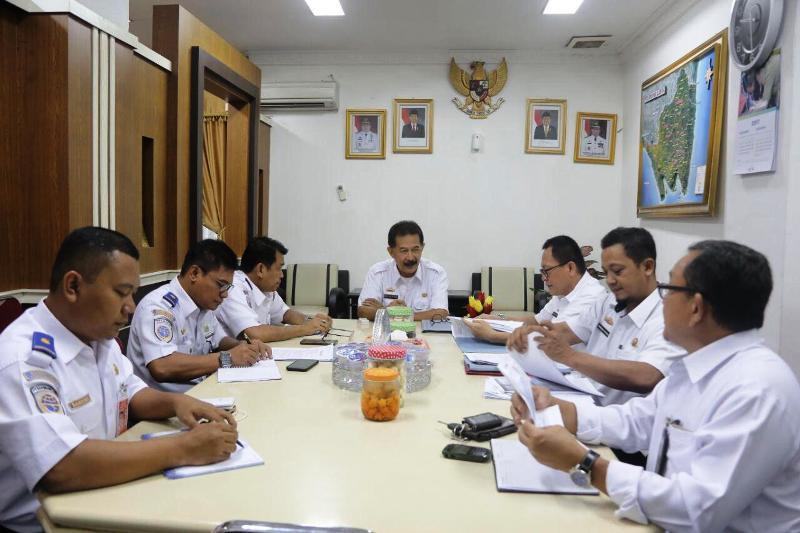 Rapat tindak lanjut pembahasan Bandara Radin Inten II menjadi Bandara Internasional, di Ruang Rapat Asisten Pemerintahan dan Kesra Sekda Provinsi Lampung, Rabu 8 November 2017.