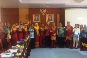 Badan Penelitian dan Pengembangan Daerah (Balitbangda) Provinsi Lampung menghadirkan astronom Prof. Hakim L Malasan.