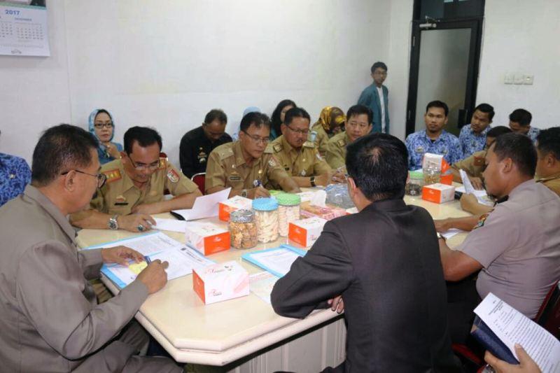 Rapat pelantikan Bupati-Wakil Bupati Tulangbawang dan Lampung Barat, Senin 4 Desemer 2017.