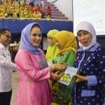 Perjuangkan Hak Guru PAUD, Ibu Yustin Siap Berada di Garis Depan