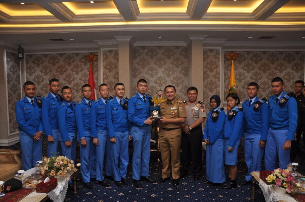 Gubernur Ridho saat menerima Audiensi SMA Taruna Angkatan 28, Senin 18 Desember 2017 di Ruang Rapat Utama Kantor Gubernur Lampung.