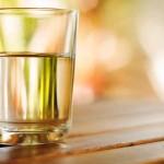 Biasa Minum Air Putih Hangat setiap Hari, Ini 6 Manfaatnya