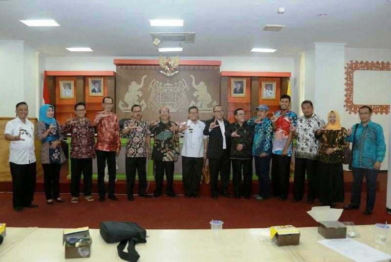 Kunjungan Kerja Komisi D DPRD D.I Yogyakarta, di Ruang Sungkai Balai Keratun Komplek Kantor Gubernur Lampung, Rabu 10 Januari 2018.