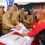 Wagub Bachtiar Berharap OP Beras di Pasar Baradatu Ringankan Beban Masyarakat