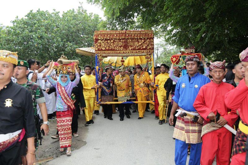 Gubernur Lampung Muhammad Ridho Ficardo saat kunjungan kerja ke Kabupaten Pesisir Barat.