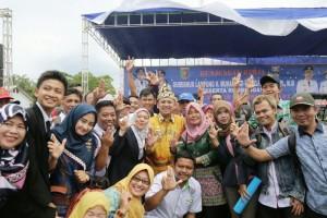 Acara kunjungan kerja Gubernur Lampung Muhammad Ridho Ficardo di pelabuhan Jukung, Krui, Kamis 25 Januari 2018.