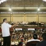 Gubernur Ridho Bersilaturahmi dengan Ribuan ASN, Guru dan Petani Lambar