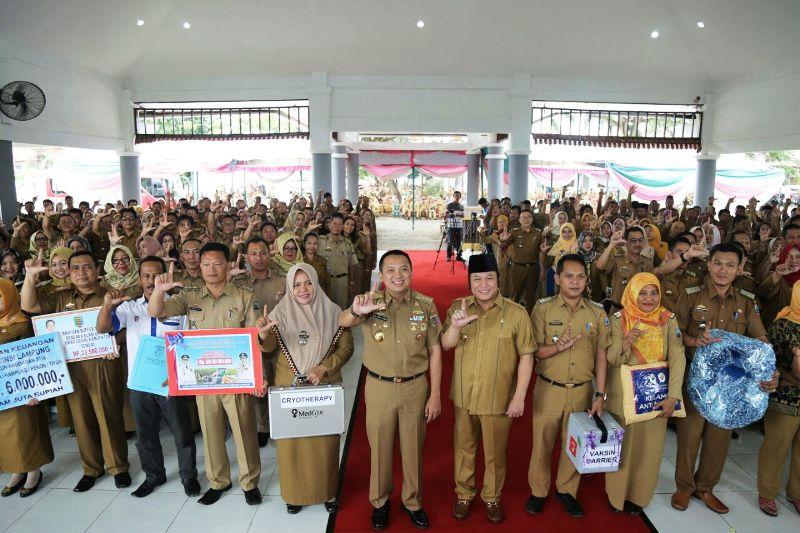 Gubernur Lampung Muhammad Ridho Ficardo pada acara kunjungan kerja di Kabupaten Lampung Selatan di GOR Way Handak, Senin 29 Januari 2018.
