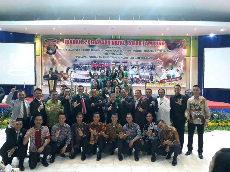 Panita Perayaan Natal Bersama Polda Lampung di Gedung Serba Guna Pahoman, Bandar Lampung, Rabu 17 Januari 2018.