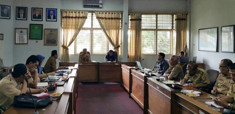 Acara serah terima jabatan Kasat Polhut Provinsi Lampung dari Alwi kepada Amirsyah, di Ruang Rapat Utama Dinas Kehutanan Lampung, Senin 15 Januari 2018.