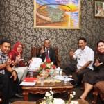 Gubernur Ridho Upayakan 57 Ribu Anak Putus Sekolah Masuk Program Indonesia Pintar