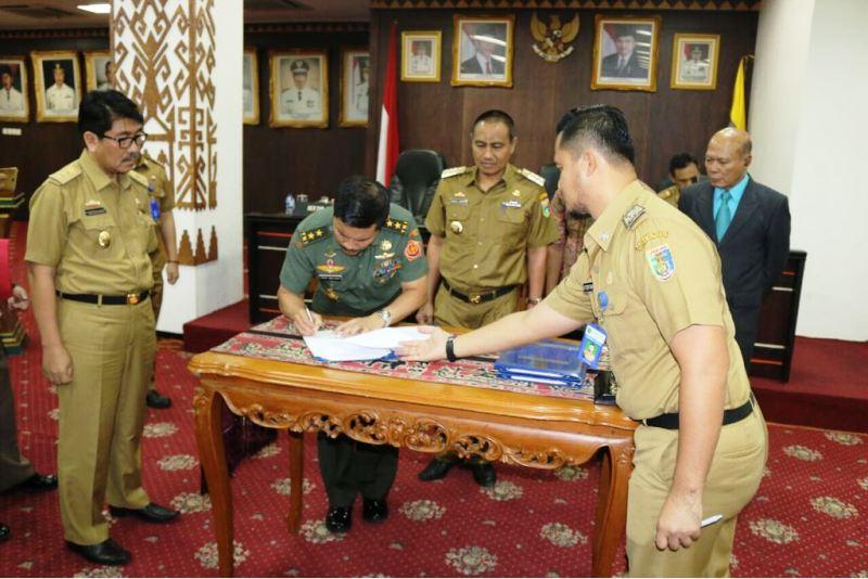 Kunjungan Kerja Dalam Negeri (KKDN) Unhan ke Provinsi Lampung, Senin 26 Februari 2018 di Ruang Abung Balai Keratun.