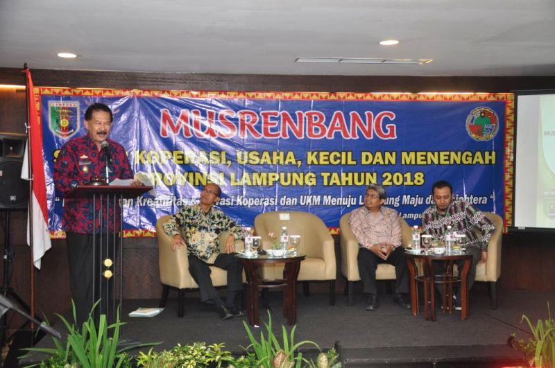 Asisten Bidang Pemerintahan dan Kesra Heri Suliyanto dalam acara Musrenbang Provinsi Bidang Koperasi dan UKM di Hotel Emersia, Rabu 15 Februari 2018.
