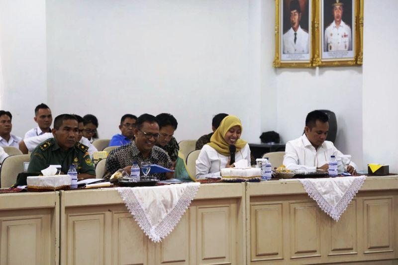 Rapat dengar pendapat atas kunjungan Komisi II DPR RI di Balai Keratun, Ruang Sungkai, Komplek Kantor Gubernur Lampung, Rabu 31 Januari 2018.