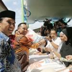 Gubernur Ridho Siapkan 10 Ton Beras untuk Operasi Pasar di Tuba