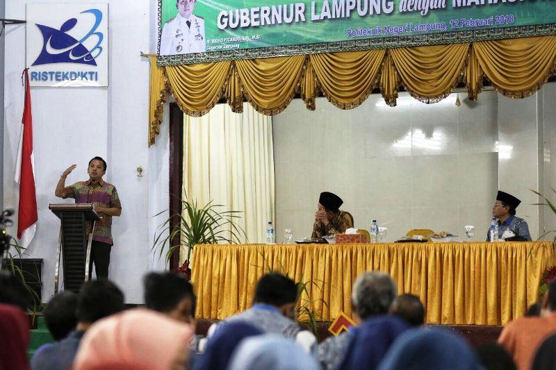 diungkapkan Gubernur Ridho saat memberikan Stadium General/ kuliah Umum di GSG Politeknik Negeri Lampung pada Senin malam 12 Februari 2018.