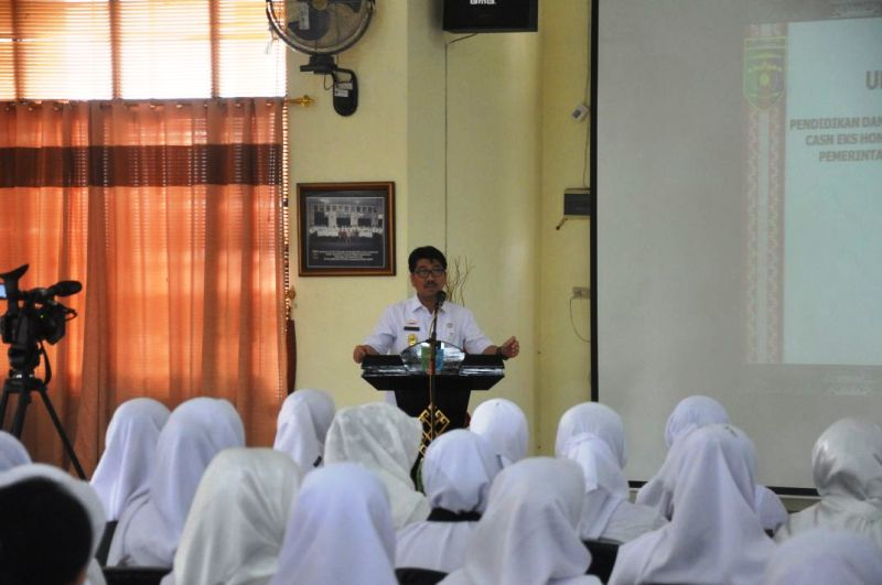 Plt. Sekretaris Daerah Provinsi Lampung, Hamartoni Ahadis.