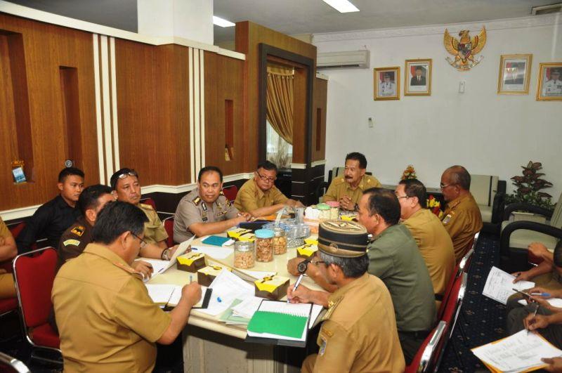 Rapat persiapan terkait dengan berakhirnya masa jabatan (AMJ) Bupati Tanggamus Samsul Hadi yang jatuh pada tanggal 15 Februari 2018, Kamis 1 Februari 2018 di Ruang Rapat Asisten Bidang Pemerintahan Sekda Prov. Lampung.