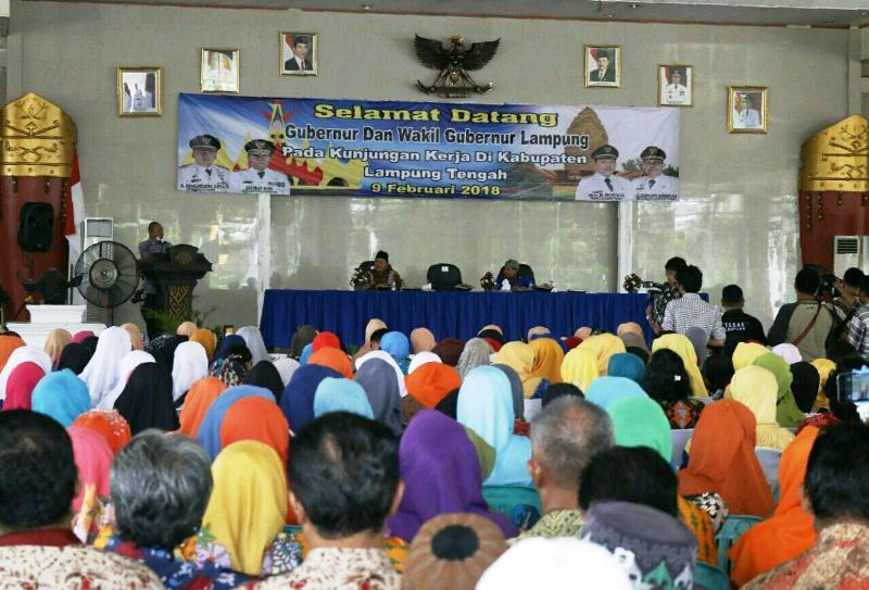 Wakil Gubernur Lampung Bachtiar Basri saat dujungan kerja di Lampung Tengah, Jumat 09 Februari 2018.