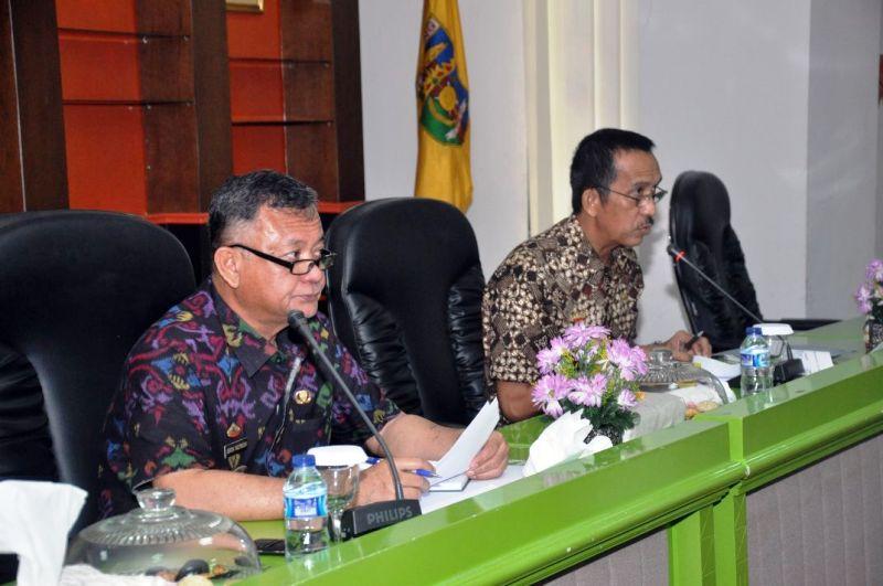 Rapat persiapan pelaksanaan Hari Ulang Tahun (HUT) ke-54 Provinsi Lampung, di Ruang Sungkai Balai Keratun, Jumat 2 Maret 2018.