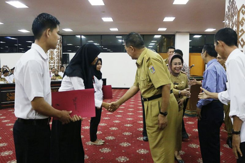 Asisten Bidang Pemerintahan dan Kesra Provinsi Lampung Hery Suliyanto saat membuka Program MDNBP di Ruang Abung Balai Keratun, Selasa 27 Maret 2018.