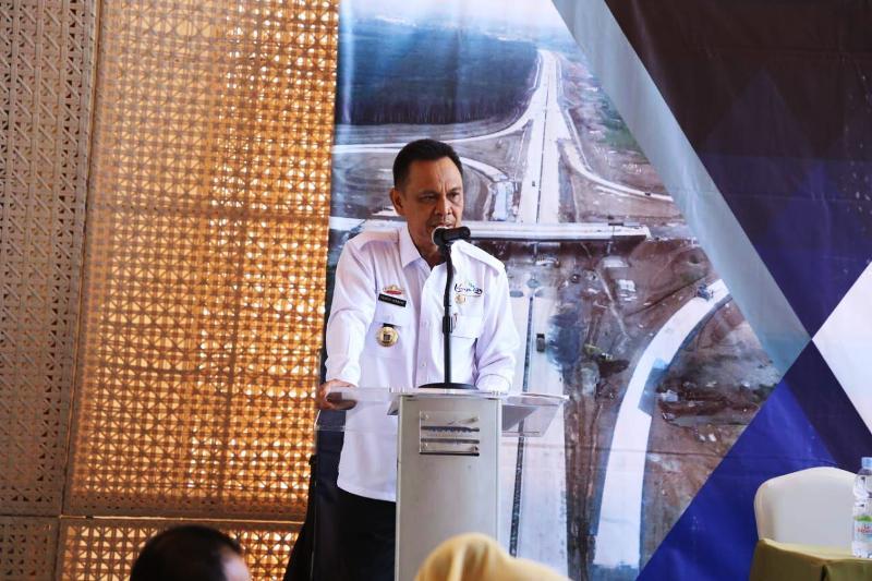 Plt. Asisten Ekonomi dan Pembangunan Sekda Provinsi Lampung Taufik Hidayat