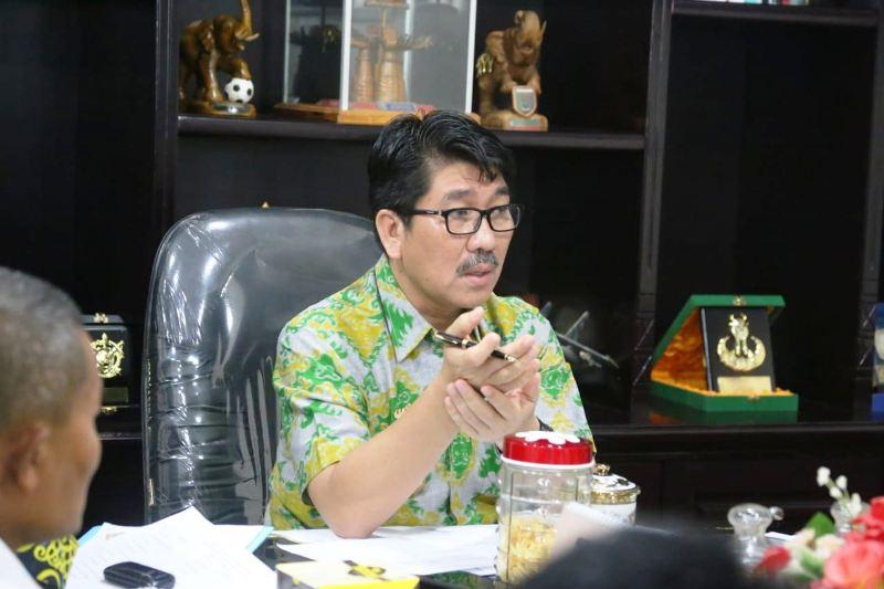 Plt. Sekda Provinsi Lampung Hamartoni Ahadist